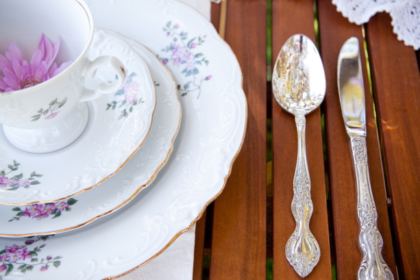 Rustic China for Wedding Setting